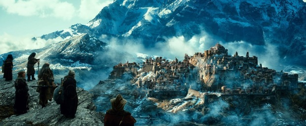 "Thorin & Co. ""On the Doorstep"" regard the ruins of Dale (The Hobbit: The Desolation of Smaug, New Line Cinema, 2013)"