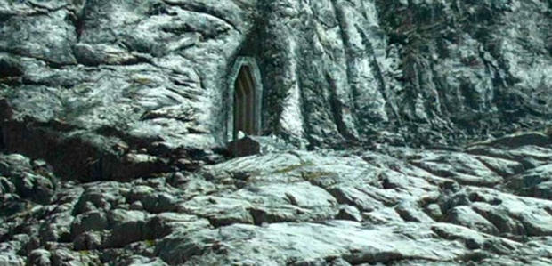 "Inspiration of Medieval Language & Literature: ""Flight from Moria"" (J.R.R. Tolkien, New LIne Cinema, 2001)"
