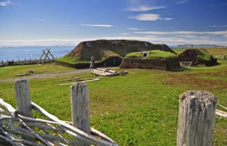 Viking Village (Sod Huts at L'Anse aux Meadow, Newfoundland, Bicker Stock Photo)