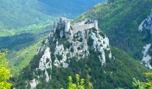 "Aspiring Epic Fantasy Writers Take Note: You need to do more than just cite a clichéd castle setting ... think about what people were doing in them? Part of the time, perhaps listening to the ""chansons de geste!"" (Château de Puilaurens, southern France)"