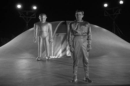Klaatu & Gort arrive in